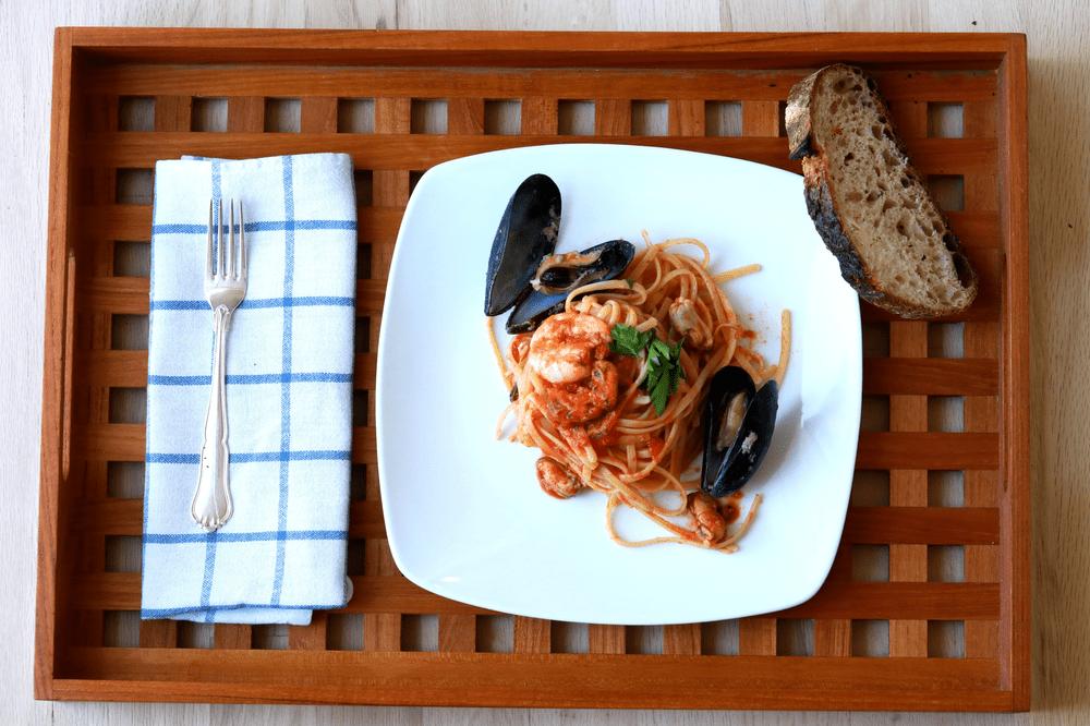 seafood pasta, best pasta, fresh seafood, spaghetti, frutti di mare, shrimp, clams, mussels, squid, best pasta