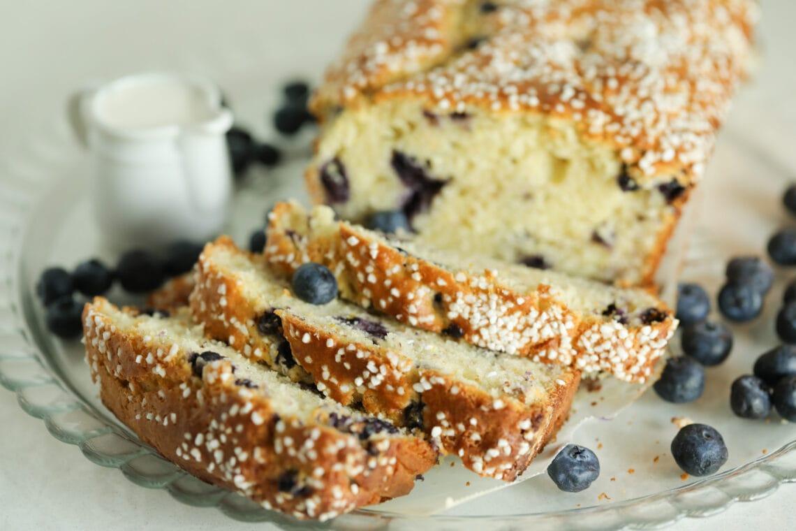yogurt lemon bread, lemon cake, lemon and blueberry cake, best lemon cake, best lemon bread,