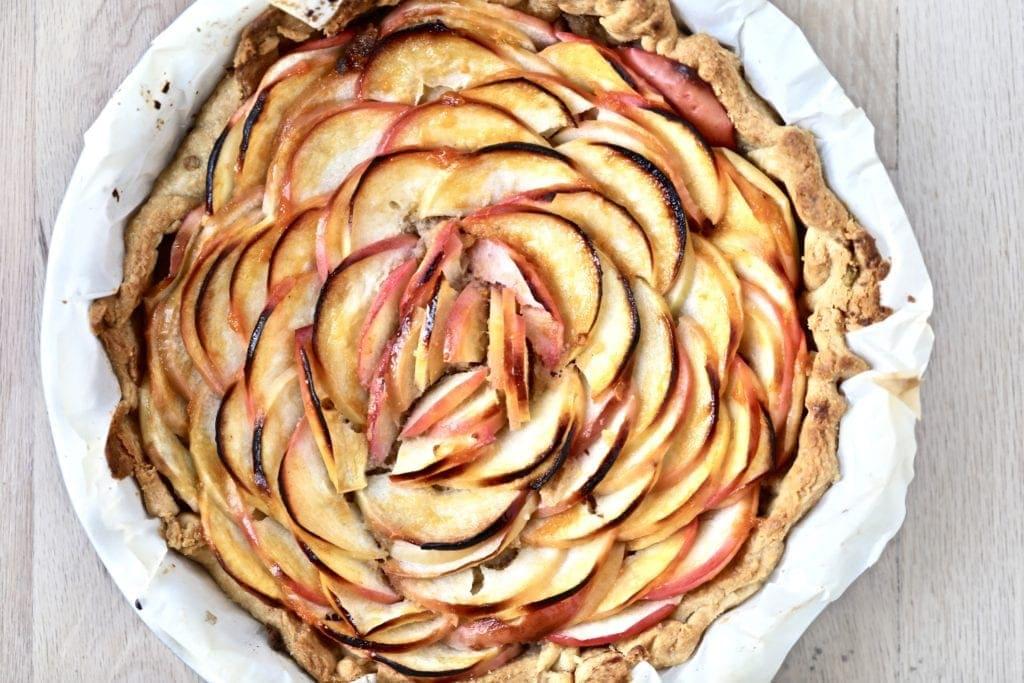 French apple tart, apple tart, beautiful tart, easy apple tart, french dessert