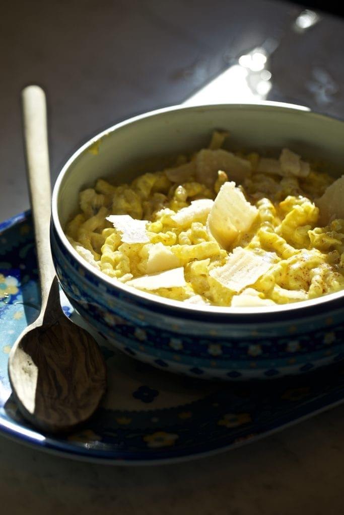 creamy pasta sauce in bowl