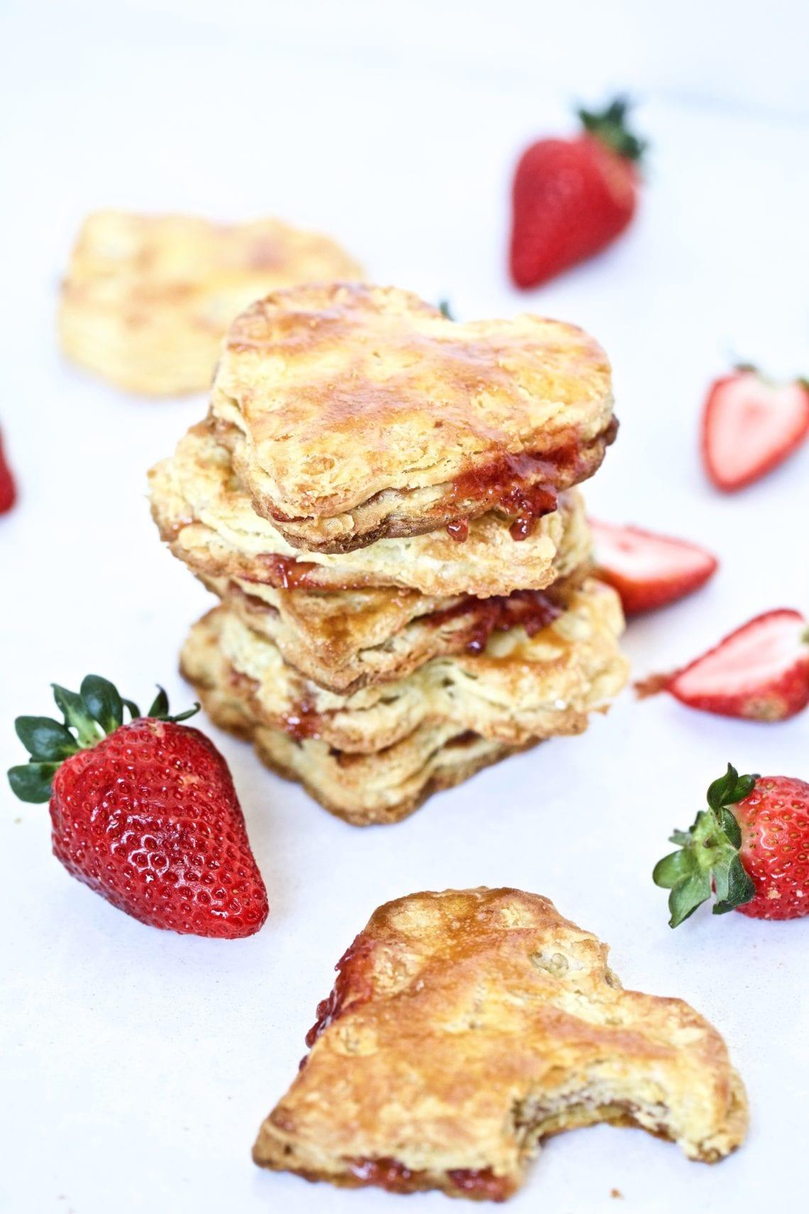 heart- shaped- pies- strawberries
