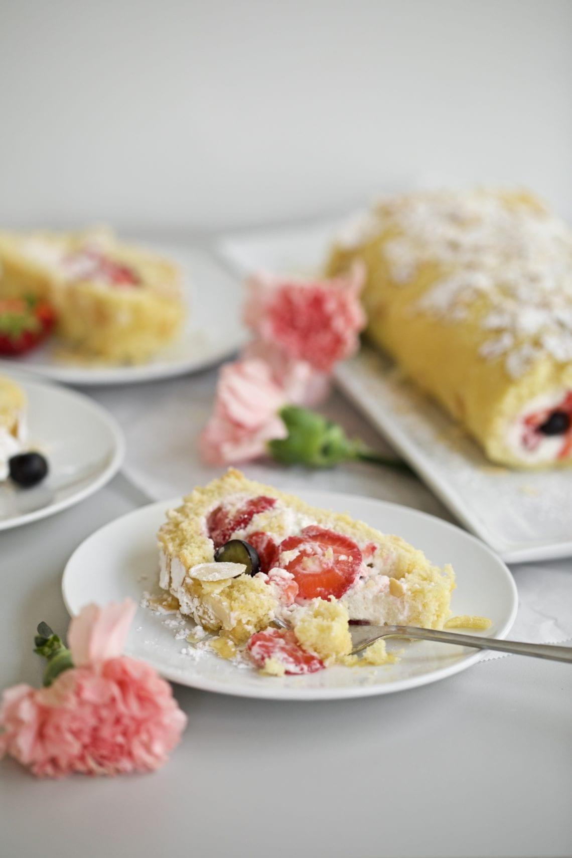 Vanilla Cake Roll with Berries slice