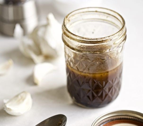 Italian Balsamic Garlic Vinaigrette Dressing